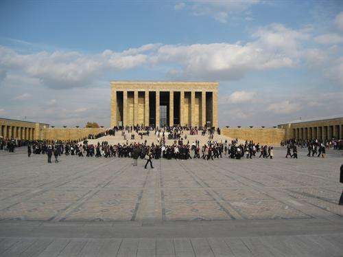Atatürk'ün İzinde Ankara