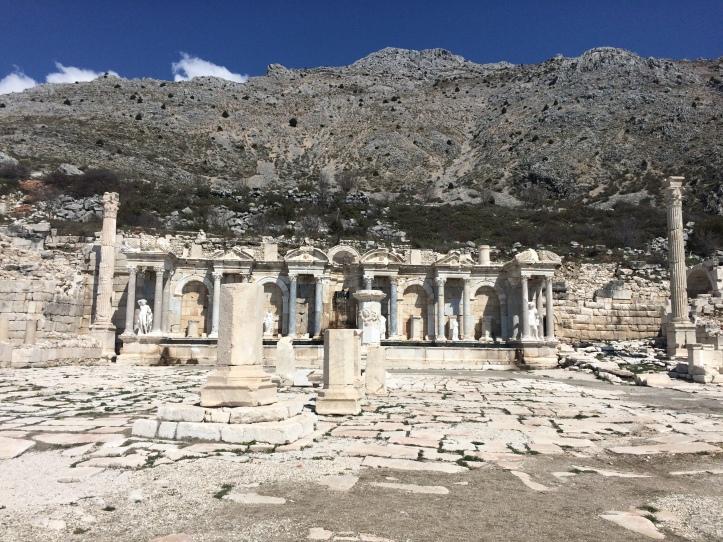 Antoninler Çeşmesi
