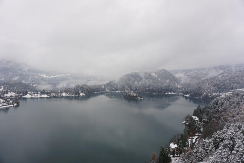 Karlı Bir Günde BledGölü